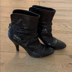 Nine West booties in dark brown, size 7